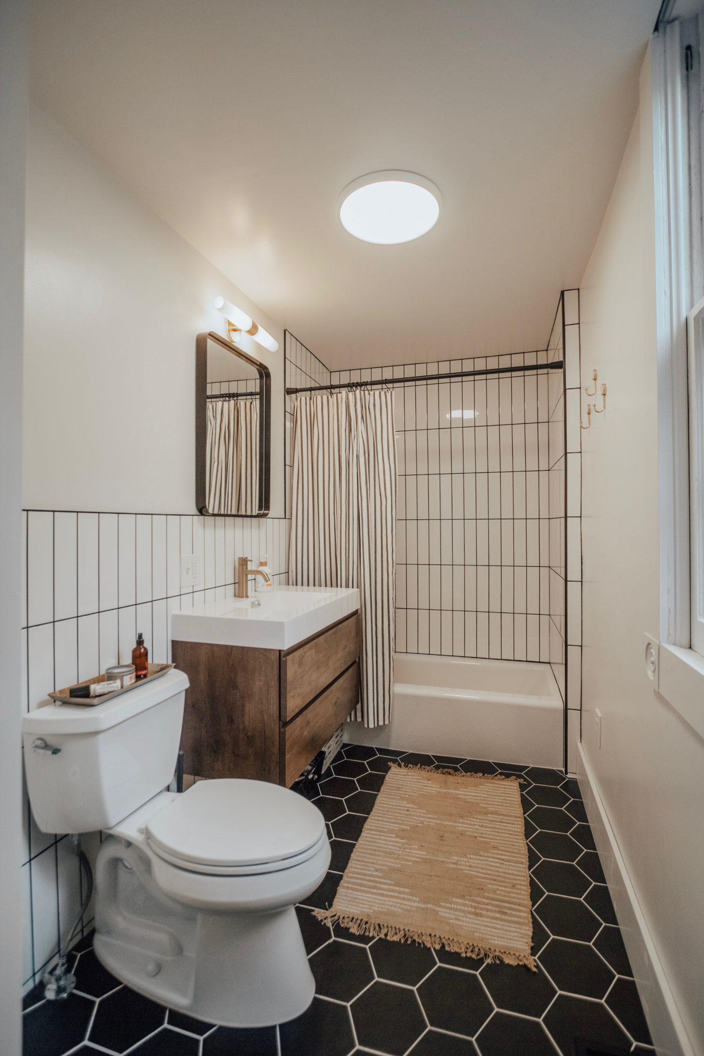 mid-century-bathroom